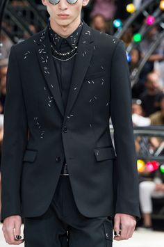 Dior Homme S/S 2017 Menswear Paris Fashion Week