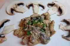 Straccetti di pollo con panna ( di soia ) e funghi
