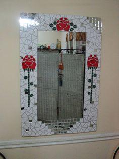 Mosaic mirror Mosaic Tile Art, Mirror Mosaic, Mosaic Crafts, Mirror Art, Mosaic Glass, Frame Shelf, Diy Frame, Stained Glass Mirror, Mosaic Madness