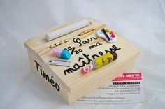 boite pupitre d'écolier 20/20 pour ma maitresse sur le thème de l'école idéal cadeau maitresse ou maitre , atsem ect.. : Boîtes, coffrets par les-petites-mains-magic