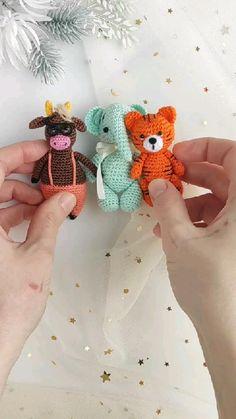 Crochet Bunny Pattern, Crochet Amigurumi Free Patterns, Crochet Animal Patterns, Crochet Baby Toys, Crochet Gifts, Crochet Dolls, Kawaii Crochet, Cute Crochet, Crochet Keychain Pattern