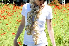 Ruffled summer scarf - by danamadeit. Tutorial (method with elastic thread + method without).