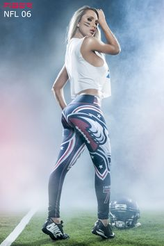 These are the most comfortable workout bottoms you will get to ever feel in your life. https://www.ronitaylorfitness.com Make sure to take a peek at my awesome website to see more beautiful clothing. #squat #compression