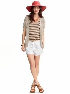 A simple summer look that is classy and yet fun.  Love the wedge sandals with shorts!