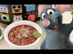 Slow Cooker Ratatouille is an easy, healthy vegetable stew from Provence that the whole family loves, 81 calories, 1 Weight Watchers Freestyle SmartPoint! Slow Cooker Ratatouille, Vegetarian Recipes, Healthy Recipes, Healthy Food, Healthy Eating, Vegetable Stand, Polenta Recipes, Healthy Vegetables