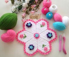 Lif Modelleri 2018 ,  #lifmodelleriyenisezon #liförgümodelleri #yenilifmodelleri , Renk renk sizlere fikir verecek 2018lif modelleri galerisi hazırladık. Bunlar sizlere fikir verecek modeller. Bazı örneklerin yapılışı ayrı... Crochet Vest Pattern, Crochet Patterns, Crochet Clothes, Diy And Crafts, Crochet Earrings, Christmas Ornaments, Holiday Decor, Home Decor, Seals