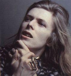 David Bowie        (via carol-oliveira)