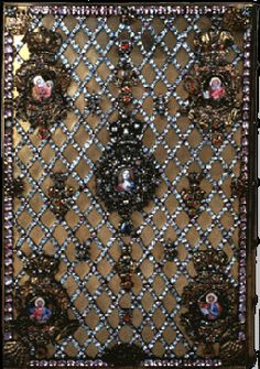 Gospel cover of gold, silver, diamonds, rubies, sapphires, emeralds, amethysts, aquamarines, almandines, and enamel was owned by Catherine the Great. By Hermann Gottlieb Unger, St. Petersburg, 1794. Royal Jewelry, Vintage Jewelry, Catherine The Great, Imperial Russia, Beautiful Castles, Aqua Marine, Crown Jewels, Antique Books, Silver Diamonds