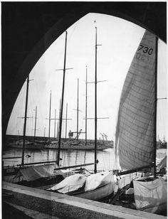 """Genova. Porticciolo """"Duca degli Abruzzi"""", anni '30 (Photo: Canepa-Carezzano) #genova #genoa #liguria #portodigenova #portofgenoa"""