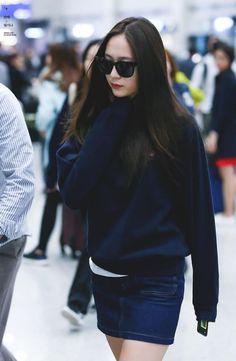 Perjalanan jennie menjadi idol korea  [ GxG ] #fiksipenggemar # Fiksi penggemar # amreading # books # wattpad Krystal Fx, Jessica & Krystal, Krystal Jung Fashion, Krystal Jung Style, Korea Fashion, Korean Actresses, Airport Style, Korean Beauty, Kpop Girls
