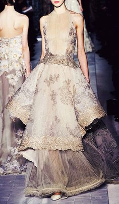 Fashion is Art?...Valentino couture.