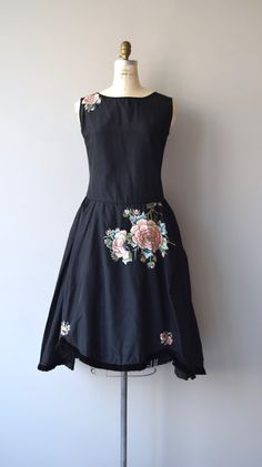 Jeanne Lanvin inspired vintage 1920s robe de style dress in black silk taffeta…