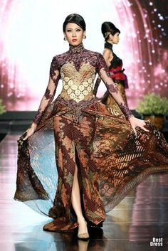 ~ Living a Beautiful Life ~ Anne Avantie Batik Fashion, Ethnic Fashion, Asian Fashion, Vestido Batik, Batik Dress, Kebaya Lace, Batik Kebaya, Kebaya Brokat, Fashion Model Poses