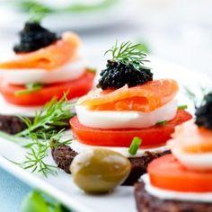 Научете 5 лесни стъпки за сервиране и аранжиране на перфектната вечеря!