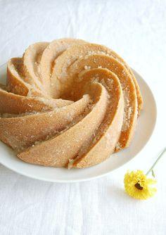 Nutmeg butter cake /by Patricia Scarpin, via Flickr