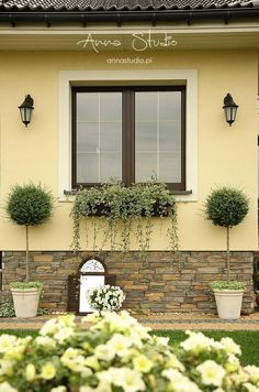 Use These Tips To Help Landscape Your Garden Front Garden Landscape, Front House Landscaping, House Landscape, Backyard Landscaping, Landscape Design, Garden Design, Exterior House Colors, Exterior Design, Front Porch Design