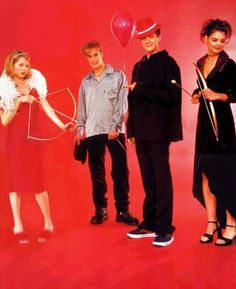 WTF IS THIS WONDROUSNESS. Dawson's Creek V-Day photoshoot? This is truly horrible. Had to pin it.