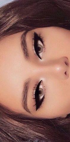 Eyeliner for blue eyes - Make Up Tips & How . - Eyeliner for blue eyes up – Make Up Tips & How … - Glam Makeup, Cute Makeup, Pretty Makeup, Skin Makeup, Eyeshadow Makeup, Beauty Makeup, Halo Eye Makeup, Jewel Makeup, Pin Up Makeup