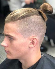 15 Best Man Bun Undercut Hairstyles - Men's Hairstyle Tips #undercut #undercuthairstyle #undercutfade #mensundercut #manbun #manbunundercut #mandbunfade #manbunbraids #lowfade #highfade #skinfade Faux Hawk Hairstyles, Man Bun Hairstyles, Men's Hairstyle, Long Hairstyles, Mens Long Hair Undercut, Undercut Ponytail, Top Knot Men, Fohawk Haircut, Beard Line