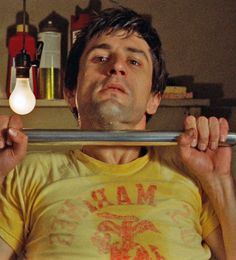 Travis exercising in Taxi Driver Great Films, Good Movies, Cybill Shepherd, Albert Brooks, Thriller Film, Jodie Foster, Martin Scorsese, Taxi Driver, Movie Characters