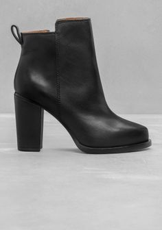 Leather-heel Ankle Boots | Black