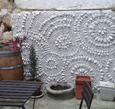 mosaic flooring Ariane Blanquet, mosaic - France - My Trends for ART Pebble Mosaic, Stone Mosaic, Mosaic Glass, Mosaic Walkway, Pebble Art, Fused Glass, Stained Glass, Mosaic Crafts, Mosaic Projects