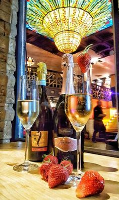 #Lively and #sumptuous, #Fantinel #sparkling #wines give a #unique touch to your #nights. #moltibaci #restoran #belgrade #wine #winelover #winetime #bubbles #colours #bottles #glasses #strawberries #restaurant #dinner #madeinitaly