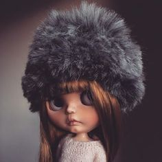 Miluji tento klobouk!  #tiinacustom #customblythe #blythedoll #varsitydean #russianhat