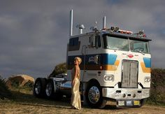 Peterbilt | Flickr - Agnes Olech.