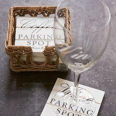 Parking Spot Coasters €29,95  E-commerce medewerker Irinde: Wij hebben thuis een mooie salontafel van onbewerkt hout waar we heel zuinig op zijn. Voor onze bekers en glazen gebruiken we altijd onderzetters om zo de tafel zo mooi mogelijk te houden. Daarnaast staat het ook gewoon heel gezellig. Vooral deze 'parking spots' staan in de houder leuk op tafel en door de gezellige teksten voelt iedereen zich welkom bij ons.