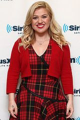 Kelly Clarkson will play herself on Nashville's Jan. 15 episode. Clarkson's arc will have her recording