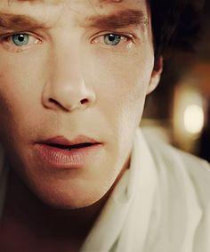 Oh, Dear me....so handsome.....*sigh*