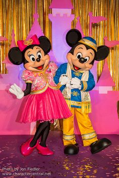 Mickey Mouse & Minnie DDE May 2013 - Welcome to Hong Kong Disneyland