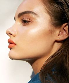 For a Supermodel Glow (Literally), 9 Highlighters for a Next-Level Summer Glow - (Page 10)