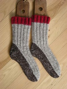Mitten Gloves, Mittens, Stay Warm, Warm And Cozy, Knitting Socks, Knit Socks, Knit Fashion, Knit Or Crochet, Cozy Sweaters