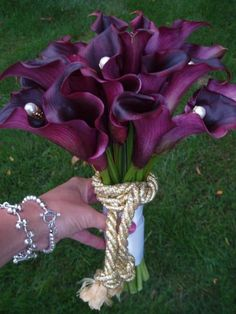 Calla bouquet in purple, would change to burgundy