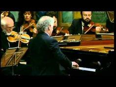 ▶ Mozart, Piano Concerto Nr 13 C KV 415 Daniel Barenboim Piano & Conducting - YouTube