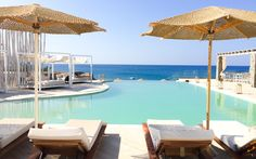 Hotel Artemis Deluxe auf Milos, Griechenland @ Marlene Haider / Restplatzboerse.at Infinity Pools, Paros, Last Minute, Artemis, Hotels, Outdoor Decor, Home Decor, Greece, Environment