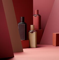 5 new fragrances from Hermès are all about the base notes Read more at https://www.wallpaper.com/lifestyle/christine-nagel-interview-hermessences-fragrance-range-by-hermes#uUpHktWc6X7HSCox.99