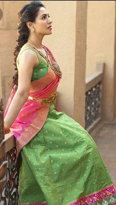 Indian Photoshoot, Saree Photoshoot, Beautiful Girl Indian, Beautiful Saree, Beautiful Women, Home Design, Most Beautiful Bollywood Actress, Saree Models, Saree Look