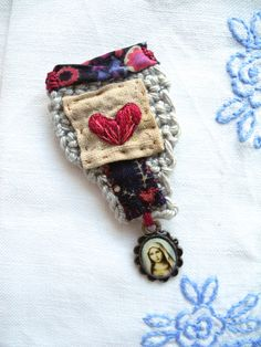Embroidered+heart+crochet+liberty+fabric+brooch+by+giovabrusa,+€20.00