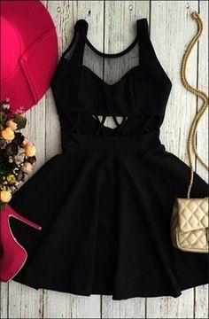 Göğsü Tül-Beli Dekolteli Siyah Elbise