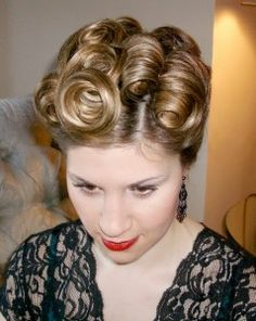 Vintage event up-do | Bobby Pin Blog / Vintage hair and makeup tips and tutorials