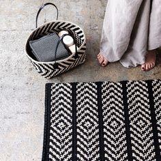 Discount Carpet Runners For Hall Crochet Carpet, Crochet Yarn, Crochet Home Decor, Diy Carpet, Tapestry Crochet, Learn To Crochet, Knitting Designs, Handicraft, Dyi