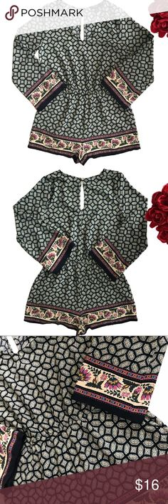 """F21 boho style romper size Medium Like new condition  Measurements L37.5""""   waist   14"""" (stretchable)   chest19""""   100% polyester Forever 21 Pants Jumpsuits & Rompers"""
