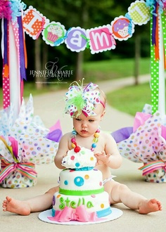 I love this! Super cute 1 year old picture