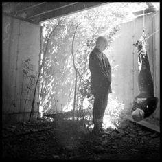 As sombrias, surreais e aterrorizantes fotografias de Nicolas Bruno, um fotógrafo americano que produz fotografias artísticas com um viés surreal e sombrio, frequentemente tendendo também para o terror.