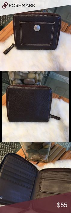 Coach Zipper Wallet, Pebbled Leather Pristine condition Coach Bags Wallets