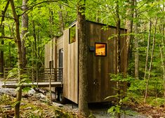 The Isidore Cabin near New York. Photograph by Roderick Aichinger