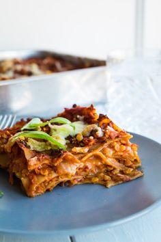 Vegetar lasagne - vegetarisk linselasagne - opskrift på lasagne - Stinna Veggie Recipes, Vegetarian Recipes, Greens Recipe, Halloumi, Food Inspiration, Italian Recipes, Tzatziki, Food To Make, Nachos